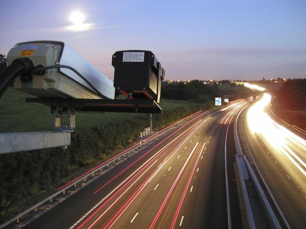 ЛК нашла уязвимости в платежных терминалах и дорожных камерах