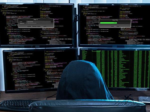 Иностранные спецслужбы готовили кибератаки на финансовую систему РФ