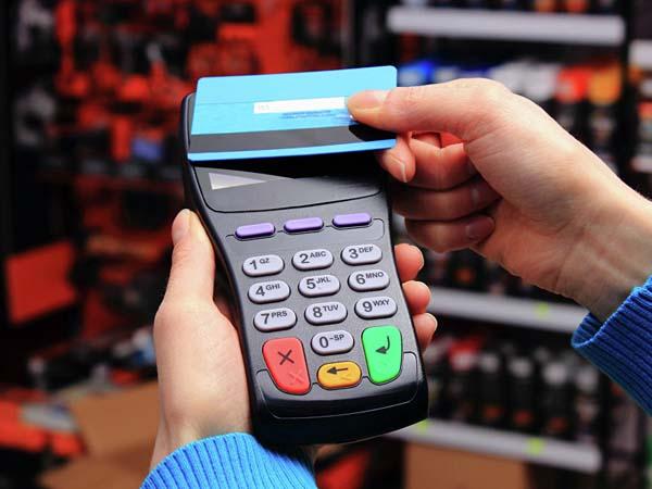 Владельцы карт оплатят ошибки из своего кармана