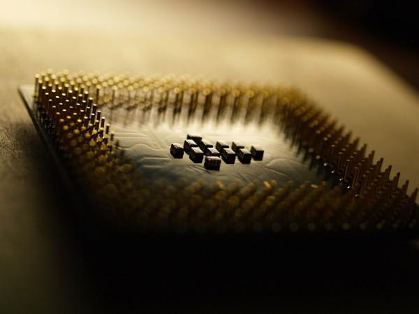 Разбираемся в самых опасных CPU-уязвимостях — Meltdown и Spectre