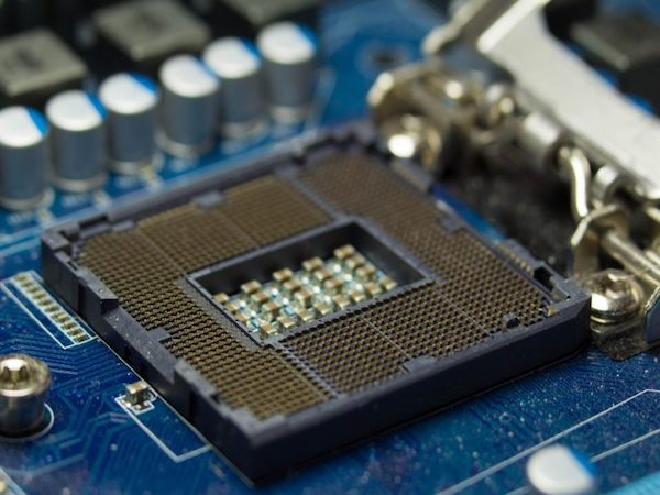 Обнаружены 7 новых вариантов атак Meltdown и Spectre на процессоры