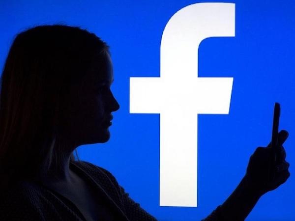 Баг Facebook позволял сайтам получать данные профилей пользователей