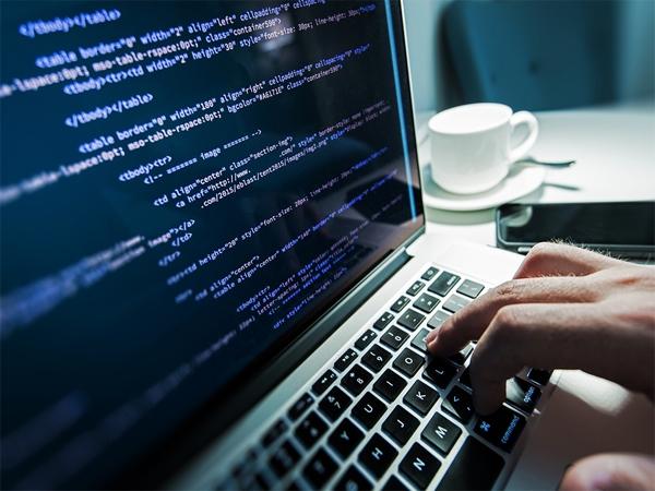 RAT-вредонос распространяется под видом обновлений Adobe Flash, Chrome
