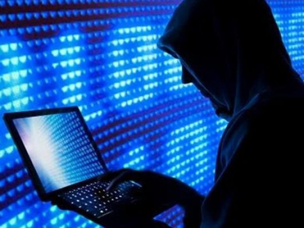 МВД Германии: страна должна отвечать на кибератаки