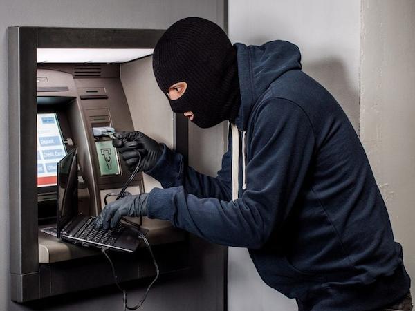 Преступники опустошают банкоматы с помощью софта Diebold Nixdorf