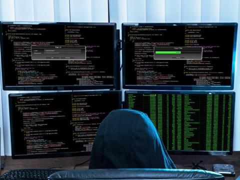 Хакеры продают пароли от аккаунтов британских чиновников