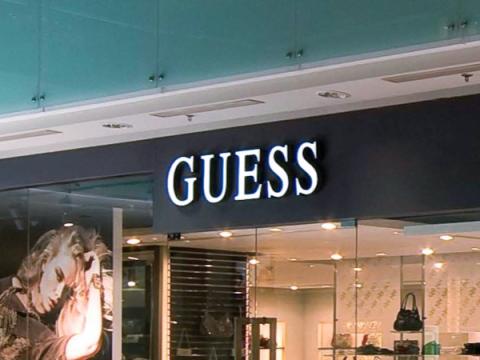 Бренд одежды Guess стал жертвой атаки шифровальщика и утечки данных