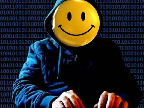 Замдиректора средней школы попробовал себя в роли киберпреступника