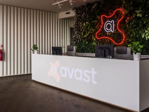 Avast присоединился к коалиции против сталкерских приложений