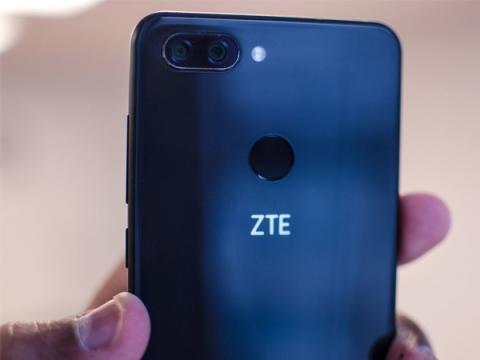 В Америке могут запретить продажу китайских телефонов ZTE и Huawei