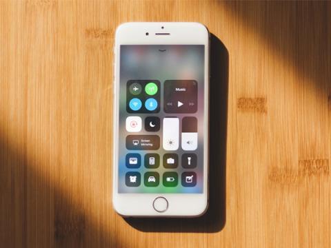 Функцию блокировки разъема Lightning на устройствах Apple можно обойти