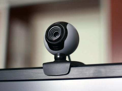 Кибервымогатели стали чаще разводить россиян слежкой через веб-камеру