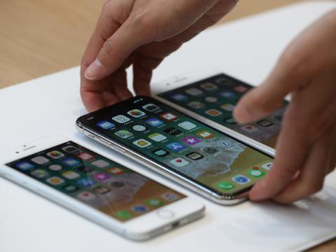 В Сеть утекли внутренние видеоинструкции Apple по починке iPhone