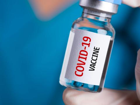 Мошенники обещают россиянам 5000 руб. за вакцинацию от COVID-19