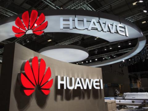 Несмотря на обвинения, годовой доход Huawei вырос на 21%
