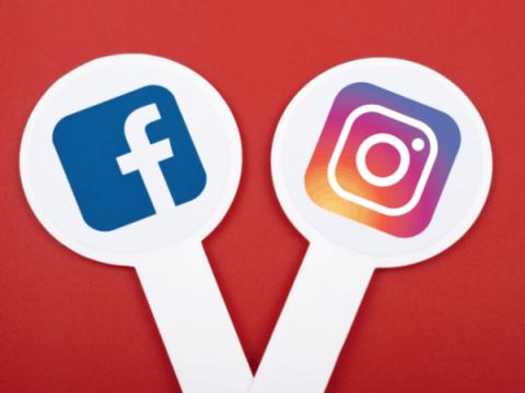 Более 500 российских аккаунтов были удалены на Facebook и Instagram