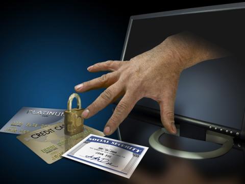 Сачков: За год киберпреступники украли почти 3 млрд из банков России