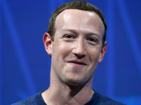 Цукерберг: Facebook не продает персональные данные юзеров рекламодателям