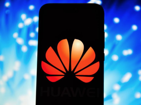 Смартфоны Huawei лишились Facebook, Instagram, WhatsApp из коробки