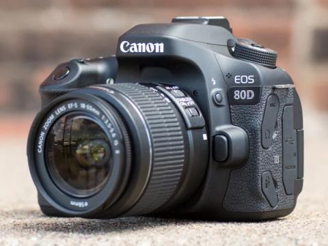 6 дыр в камерах Canon EOS 80D позволяют установить вымогатель по воздуху