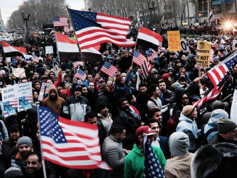 США планируют собирать профили беженцев в соцсетях