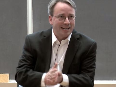 Линус Торвальдс не обеспокоен желанием Microsoft контролировать Linux