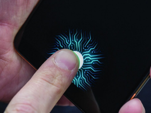 Встроенный в дисплей сканер отпечатка пальца от Qualcomm станет больше