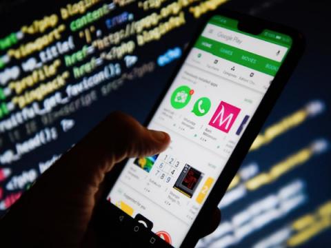 Жалоба за нарушение GDPR: отслеживает ли Google пользователей Android