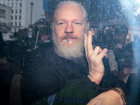 Минюст США обвинил Ассанжа (WikiLeaks) в связи с Anonymous и LulzSec