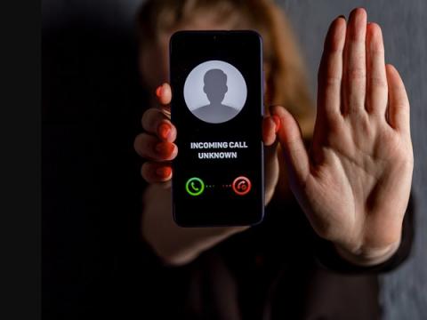 Телефонные мошенники стали звонить россиянам от лица полицейских
