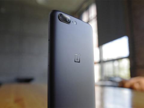 Родное приложение OnePlus 5 угрожает безопасности устройства