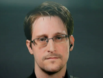 Эдвард Сноуден получил вид на жительство в России