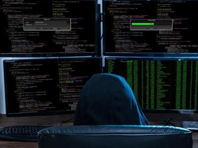 Хакер, взломавший серверы демократов США, отверг связь с Кремлем