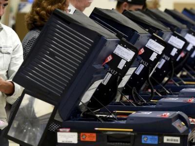 Машины для голосования в США взломали всего за 90 минут