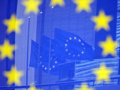 ЕС проведет кампанию по безопасности в интернете для защиты подростков