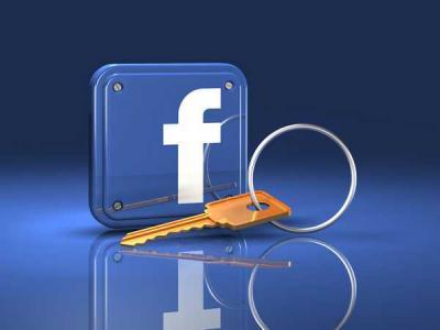 Баги Facebook открывали доступ к спискам друзей и банковским картам