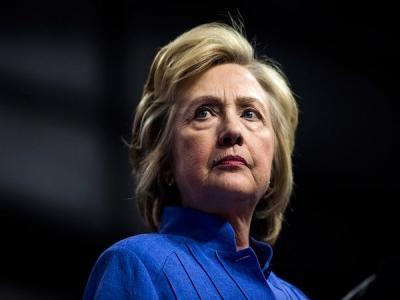 Крупный американский банкир пытался купить у хакера переписку Клинтон