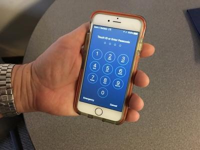Найден способ обойти экран блокировки в iOS 12 (видео)