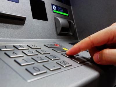 Эксперты: Взломать большинство банкоматов можно за 15 минут
