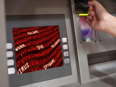 Преступники снова заставляют банкоматы выплевывать деньги