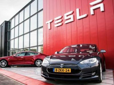 На экс-сотрудника Tesla подали в суд за взлом и кражу данных компании