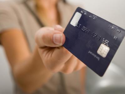 Сбербанк рассказал россиянам, где небезопасно расплачиваться картами