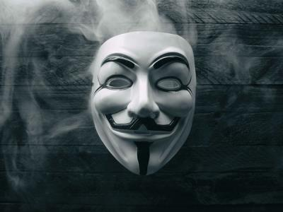 Anonymous объявляют войну теории заговора QAnon