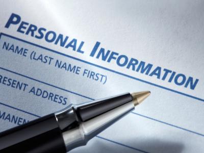 Сотрудника питерской школы оштрафовали за публикацию персональных данных