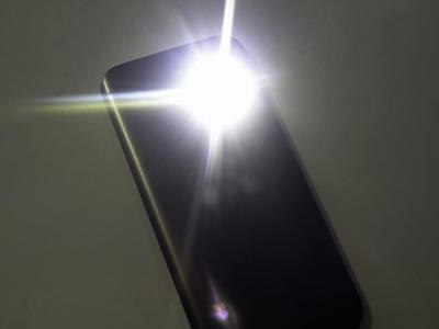 937 приложений-фонариков вGoogle Play злоупотребляют доступом к данным
