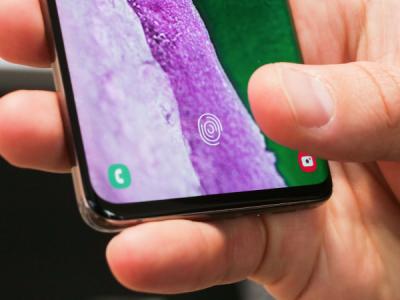 Samsung признал, что Galaxy S10 можно разблокировать любым пальцем