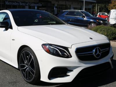 Приложение для автомобилей Mercedes-Benz раскрывало данные пользователей