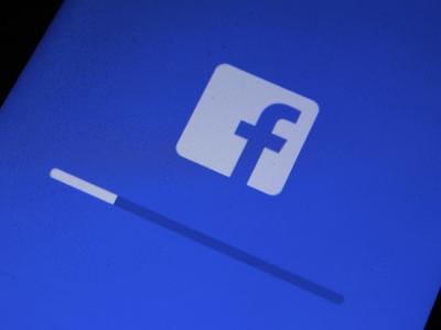 Сенаторы США: Пользователи Facebook должны легко переносить свои данные