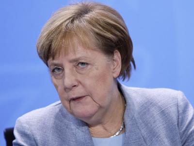 Меркель: Есть доказательства атак российских хакеров на мой компьютер